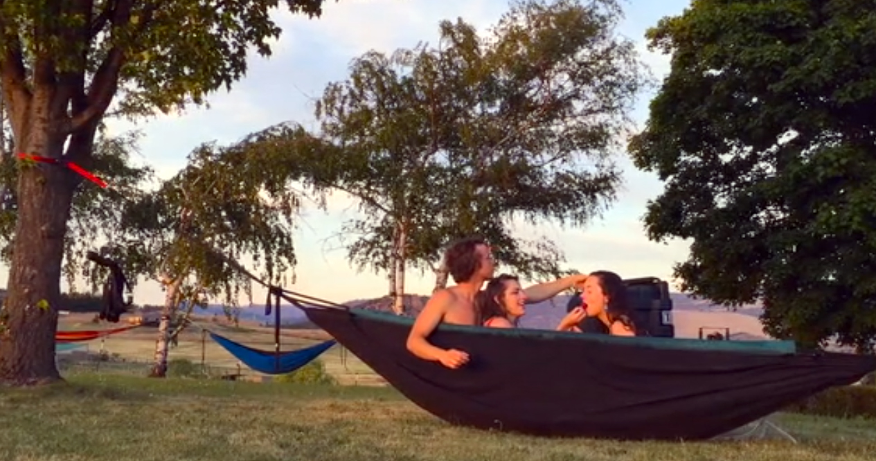 You Know You Want A \'Hot Tub Hammock\'