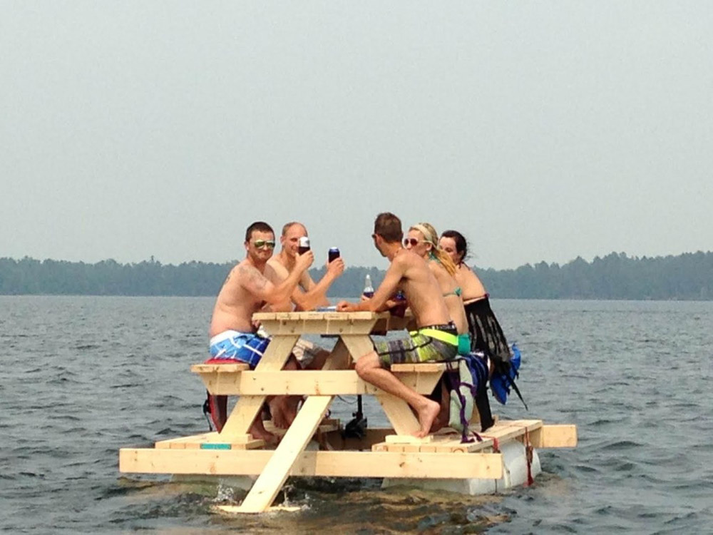 Party Barge Picnic Table Equipped With Motor Pontoon Floats - Picnic table raft