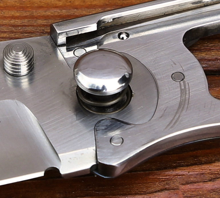 'Puzzle Lock' Folding Knife